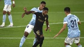 Tài năng trẻ Ansu Fati đã thật sự tạo dấn ấn trên tuyến đầu của Barca. Ảnh: Getty Images