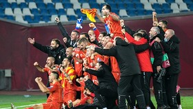 Bắc Macedonia mừng chiến tích tham dự một giải đấu lớn lần đầu tiên trong lịch sử.