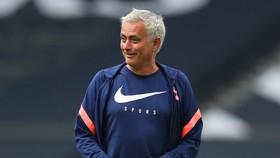 Jose Mourinho đã đặt dấu hỏi về các quy trình an toàn của bóng đá quốc tế.