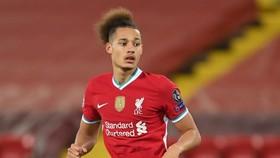 Rhys Williams chấn thương tiếp tục bó hẹp sự lựa chọn ở vị trí trung vệ của Liverpool. Ảnh: Getty Images