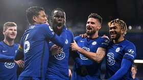 Chelsea đang thăng tiến mạnh mẽ để vươn lên ngôi đầu sau hơn 2 năm. Ảnh: Getty Images