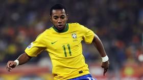 Robinho thời còn tỏa sáng trong màu áo tuyển Brazil.
