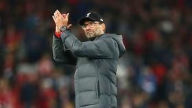 HLV Jurgen Klopp kêu gọi người hâm mộ Liverpool cố gắng tận hưởng trận đấu khi còn có thể. Ảnh: Getty Images