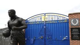 Everton thất vọng khi không được tham vấn về hoãn trận đấu.