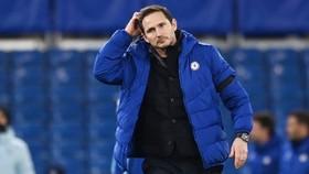 HLV Frank Lampard đang chịu áp lực lớn sau sa sút của Chelsea. Ảnh: Getty Images