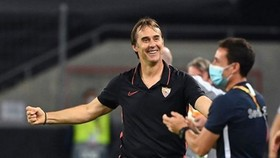 HLV Julen Lopetegui ở lại Sevilla đến mùa hè năm 2024.