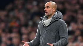 HLV Pep Guardiola lo ngại đợt bùng dịch Covid-19 mới trong bóng đá. Ảnh: Getty Images