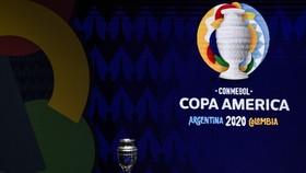 Copa America 2021 vẫn chịu ảnh hưởng nặng nề bởi Covid-19.