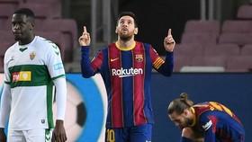 Lionel Messi tiếp tục duy trì phong độ ghi bàn cao trong năm 2021. Ảnh: Getty Images