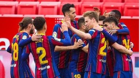 Barcelona vẫn đang duy trì sự ổn định tại La Liga. Ảnh: Getty Images