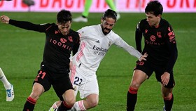 Real Madrid phải chia điểm với Sociedad ngay trên sân nhà. Ảnh: Getty Images