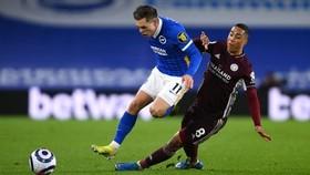 Leicester (phải) có chiến thắng quả cảm trước Brighton. Ảnh: Getty Images