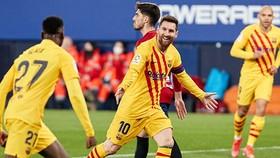 Lionel Messi lập cú đúp kiến tạo giúp Barca thắng thuyết phục.