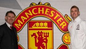 John Murtough và Darren Fletcher (phải) đảm nhận 2 cương vị mới nhưng rất quan trọng tại Man.United.