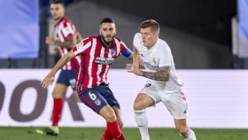 """Atletico vừa bỏ qua cơ hội """"cắt đuôi"""" Real khi bị gỡ hòa 1-1 trong phút cuối. Ảnh: Getty Images"""