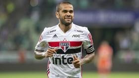 Dani Alves vẫn đang chơi tốt ở tuổi 38 trong màu áo Sao Paulo.