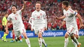 Mikkel Damsgaard trở thành cầu thủ trẻ nhất ghi bàn cho Đan Mạch tại các giải đấu quốc tế lớn.