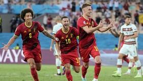 Thorgan Hazard đã ghi bàn thắng quý giá đưa tuyển Bỉ vào tứ kết.