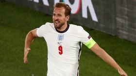 Harry Kane đã thể hiện lại phẩm chất của Giầy vàng World Cup 2018. Ảnh: Getty Images