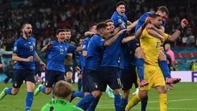 Thủ thành Gianluigi Donnarumma sắm vai người hùng dẫn dắt Italy đến vinh quang.