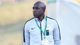 HLV David Notoane đang lo lắng về tình hình của tuyển Olympic Nam Phi.