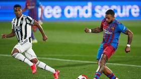 Memphis Depay tiếp tục khiến người hâm mộ Barca an lòng sau khi chia tay Messi.