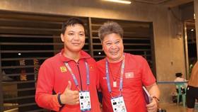 Chuyên gia Huang Guo Hui (phải).