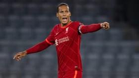 Virgil van Dijk là vị trí không thể thiếu trong kế hoạch của Liverpool.