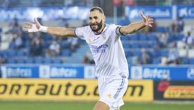 Karim Benzema vẫn là linh hồn trên hàng tấn công của Real.