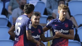 Atletico Madrid khá nhọc nhằn đánh bại chủ nhà Celta Vigo.