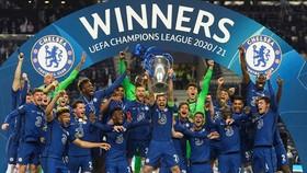 Sau Liverpool, Chelsea đang nhắm đến mục tiêu là đại diện Anh thứ 2 vô địch trong 3 năm.