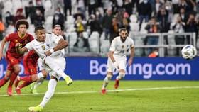 vKylian Mbappe tỏa sáng để giúp tuyển Pháp ngược dòng vào chung kết.