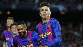 """Gerard Pique sắm vai """"cứu tinh"""" cho mùa giải châu Âu của Barca."""