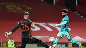 Mohamed Salah ghi bàn tại Old Trafford mùa qua. Ảnh: Getty Images