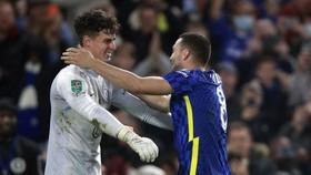 Thủ môn Kepa Arrizabalaga tiếp tục phát huy khả năng bắt phạt đền tốt.