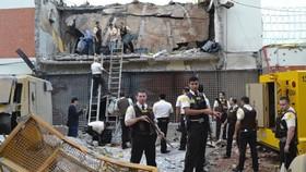 Tòa nhà công ty Prosegur đổ nát vì chất nổ ngày 24-4-2017. Ảnh: ABC