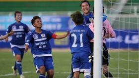 TKS.VN bất ngờ hạ gục ĐKVĐ TPHCM với tỷ số 2-0.Ảnh: Nhật Anh