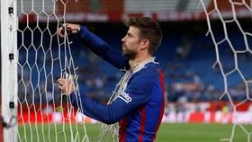 Pique muốn làm Chủ tịch Barcelona.
