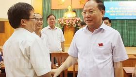 Đồng chí Tất Thành Cang, Ủy viên Trung ương Đảng, Phó Bí thư Thường trực Thành ủy TPHCM tại buổi tiếp xúc cử tri quận 10. Ảnh: THANHUYTPHCM.VN