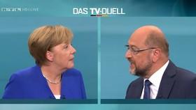 Ứng viên thủ tướng Đức tranh luận trên truyền hình. Ảnh REUTERS