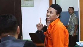 Muhammad Nur Solikin sau khi nghe tòa tuyên án ngày 20-9-2017. Ảnh: AP
