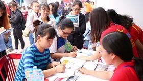 Sinh viên tham gia ngày hội Phỏng vấn - Tuyển dụng tại Nhà Văn hóa Thanh niên TPHCM