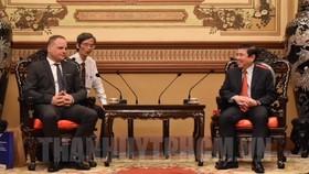 Chủ tịch UBND TPHCM Nguyễn Thành Phong tiếp ông Juraj Droba, Chủ tịch Vùng Bratislava, Slovakia