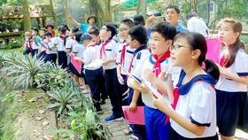Một tiết học trải nghiệm thực tế tại Thảo Cầm viên của học sinh Trường Tiểu học Nguyễn Bỉnh Khiêm (quận 1)