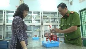 Lực lượng PCCC kiểm tra khu vực phòng thí nghiệm
