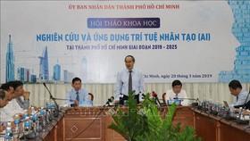 Đồng chí Nguyễn Thiện Nhân, Ủy viên Bộ Chính trị, Bí thư Thành ủy TP. Hồ Chí Minh phát biểu tại hội thảo. Ảnh: TTXVN