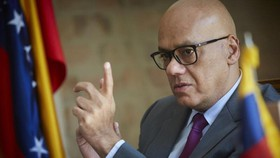 Bộ trưởng Thông tin Venezuela Jorge Rodriguez, quan chức tham gia đàm phán ở Na Uy. Ảnh: ABC