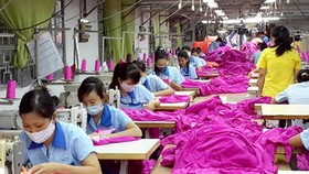 Nhập khẩu vải từ Trung Quốc tăng mạnh
