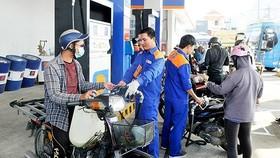 Giá xăng và gas tăng