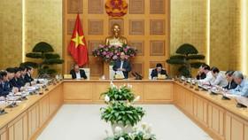 Thủ tướng Nguyễn Xuân Phúc đã chủ trì cuộc họp để gỡ vướng cho ngành đường sắt. Ảnh: VGP